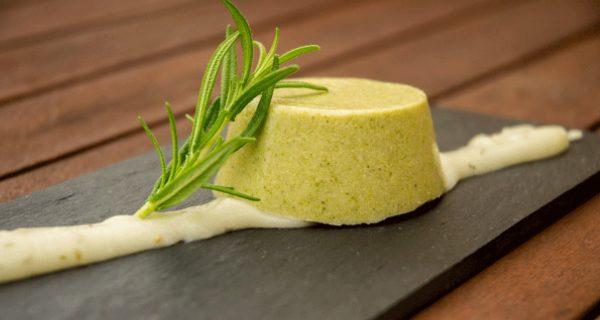 Flan vegano de brócoli al romero